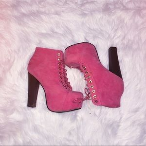 Shoes - Pink ankle boots 💖